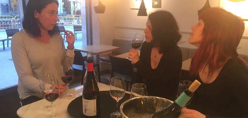Así mimamos a los restaurantes, formando a su staff sobre el vino