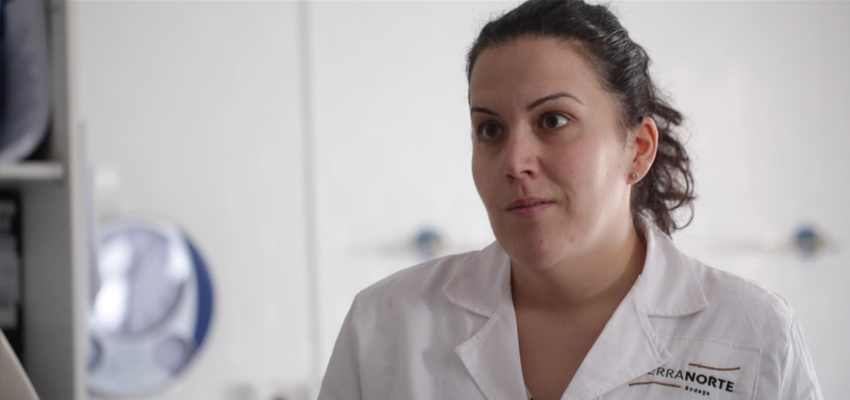 Video | Do you want to enter the laboratory of our winery? Almudena shows it to you
